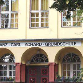 Zeit- und Kostenplanung zur Wiedereröffnung der Achard-Grundschule liegt vor